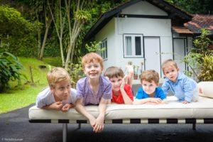 Singapore outdoor family photographer