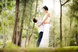 Tall tree and mother and son family photography in Singapore