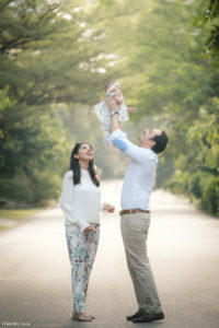 Singapore outdoor baby and family photographer
